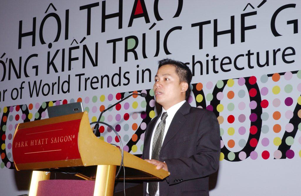 chuyên gia Nguyễn Ngoan phát biểu trong hội nghị