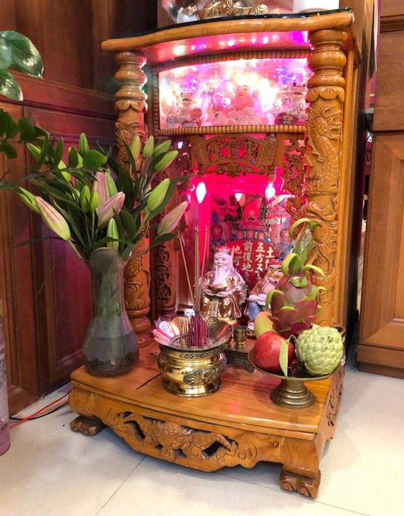 Lễ cúng Thần Tài Thổ Địa: Bố trí bàn thờ, lễ vật và Lưu ý