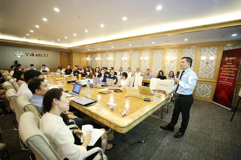 Học Phong Thủy Online Ứng Dụng cùng chuyên gia Nguyễn Ngoan