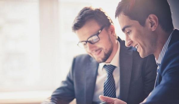 Doanh nhân thành đạt là những người tạo ra doanh thu và góp phần thúc đẩy sự phát triển kinh tế.