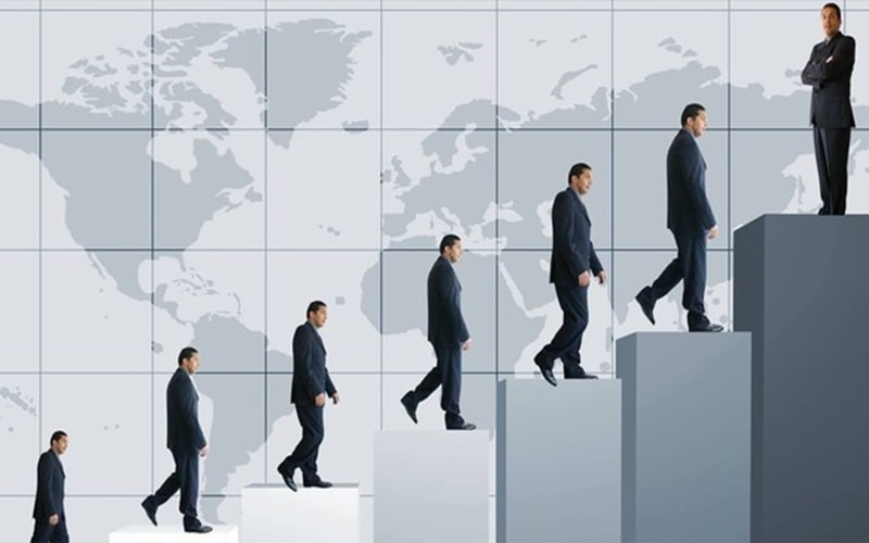 Rất nhiều doanh nhân đã đứng trên đỉnh cao từ đôi bàn tay trắng