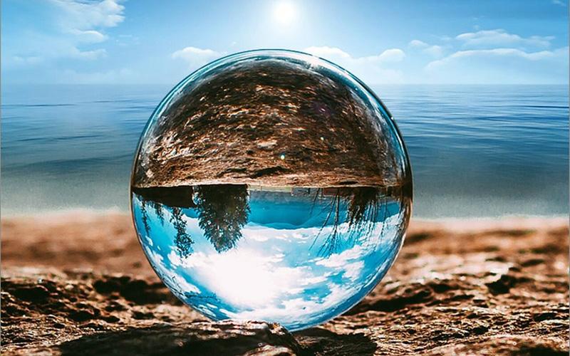Quả cầu phong thủy được làm từ đá tự nhiên mang năng lượng cực lớn.